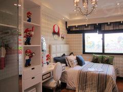 次卧:作为儿童房的次卧在主卧的北面,室内设置可爱童趣的同高清图片