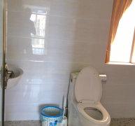 毗邻三亚湾精装三居室出租房 两个卫生间 干净整洁 看房方便!