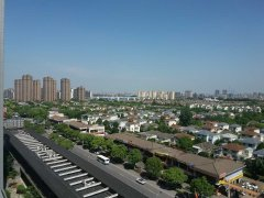 国际公寓精装2房带中央空调 近邻大润发、尚德、绿地假日酒店