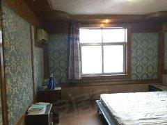 凤凰新村 黄金楼层 2室2厅 空调2台 等实施齐全