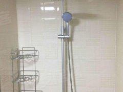 火车站东广场华业国际城 有钥匙43平米 精装修 押一付三