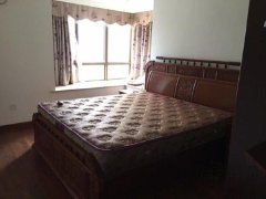 东城1号 5200元 4室2厅2卫 豪华装修!正规高性价比,