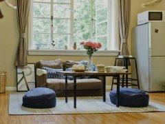 房东直租,家具家电齐全,一室一厅,可以拎包入住。属于你的小窝
