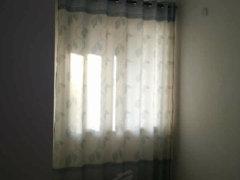 万华城纯南两居室,空房1100包物业整租!