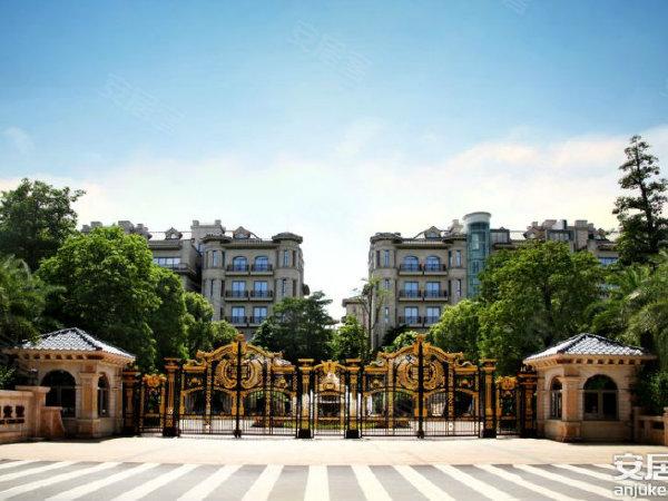 建筑采用欧式巴洛克风格