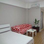 自家房屋,租客准备搬走,现在房间里含生活家私,有床、衣柜、