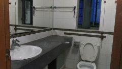 中海康城 三室两厅110平 超笋租价仅此一套4000块!