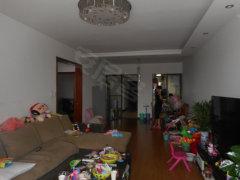 2房精装修,首次可押一付三,拎包入住,家具全齐。