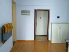 东区腾飞花园 精装公寓  单独卧室  拎包入住  可随时看房