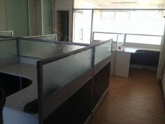 出租四惠地铁旁 远洋商务105平办公房 带全套办公家具