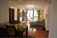 中祥龙柏苑,新出2房+2卫出租,精装全配,居家装修,温馨舒适