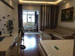 湖南绿化街,1室1厅1卫,可做饭,上网等,房租月付
